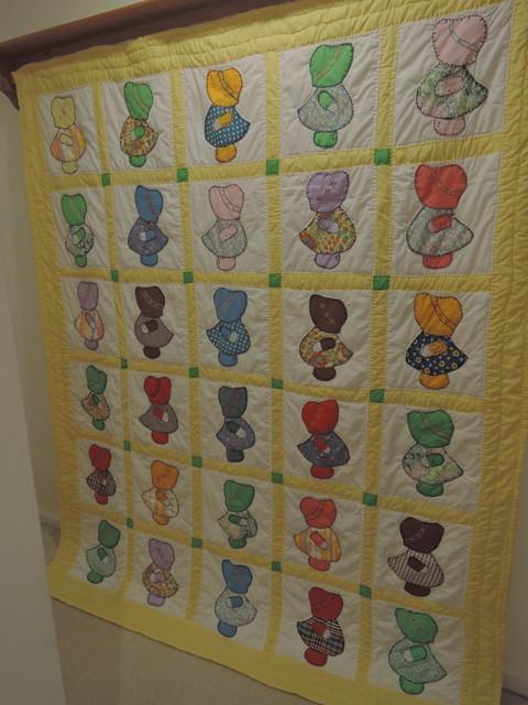 "Vintage Sun Bonnet Sue 78"" x 68"" Quilt 1940-50's Fabrics Hand Quilted Pieced"