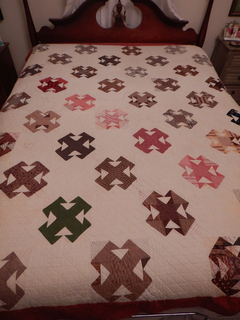 """Antique 1897-1899 Amish T Pattern Hand Stitched Quilted 89"""" x 71"""" Quilt"""