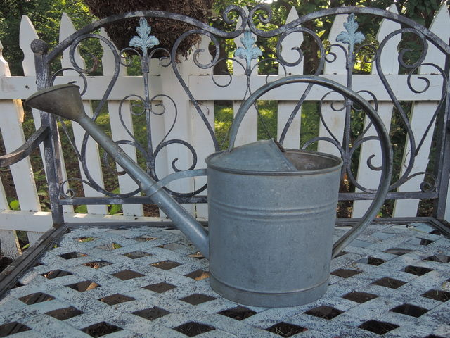 Vintage French Garden Galvanized Metal Watering Can 1 1/2 Gallons