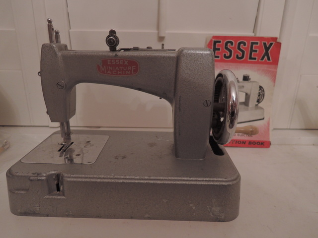 Vintage English Essex Miniature Toy Childs Hand Crank Sewing Machine w/Instruction Book