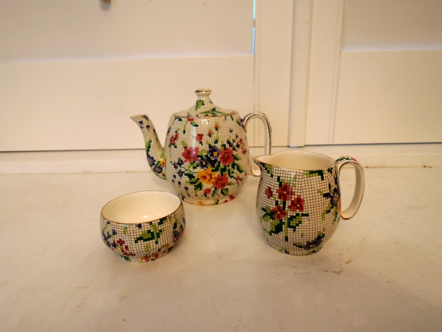 Vintage Royal Winton Chintz Queen Anne Breakfast Teapot Set Countess