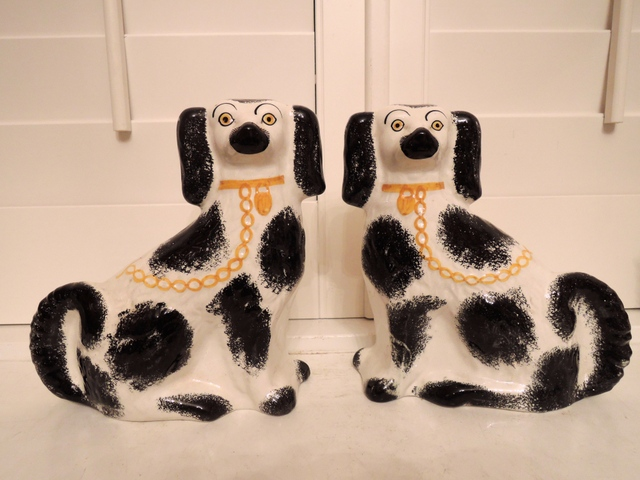 Antique Pair of Staffordshire King Charles Spaniel Dogs Mantle Ceramic c.1910