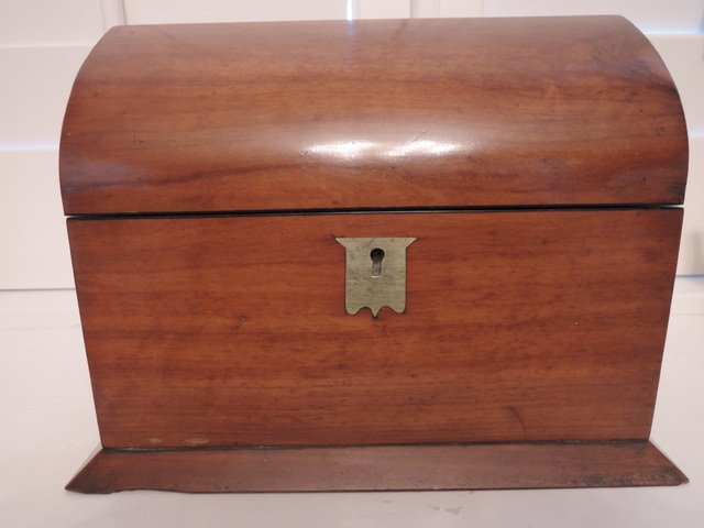 Antique Georgian Walnut Dome Shaped Wooden Tea Caddy Wood Box