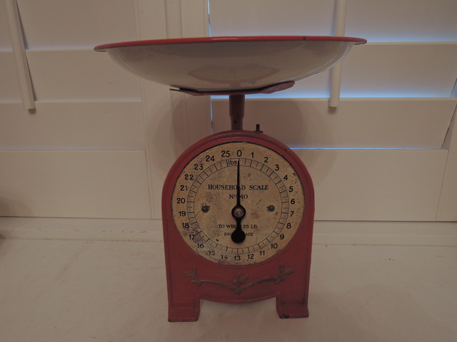Vintage English Red Cast Iron Kitchen Scale No. 40 Weigh 25 Pounds Ounces