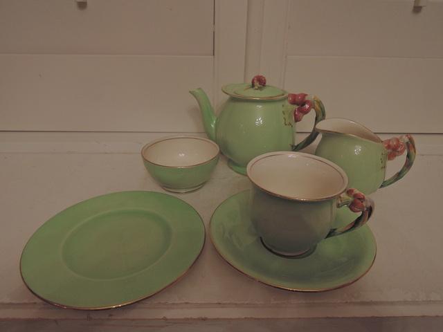 Vintage Royal Winton Green Tiger Lily Tea Set Teapot 6 Piece