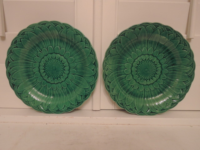 Antique Pair Green Sunflower Majolica Wedgwood Plates 1880's