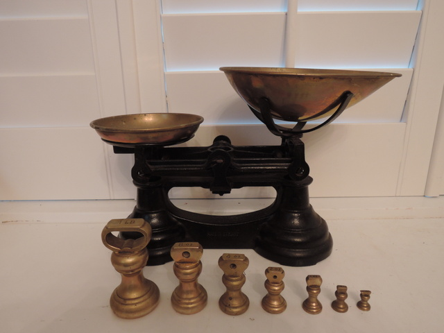 Antique English Cast Iron Balance Kitchen Scales w/Brass Bell Weights
