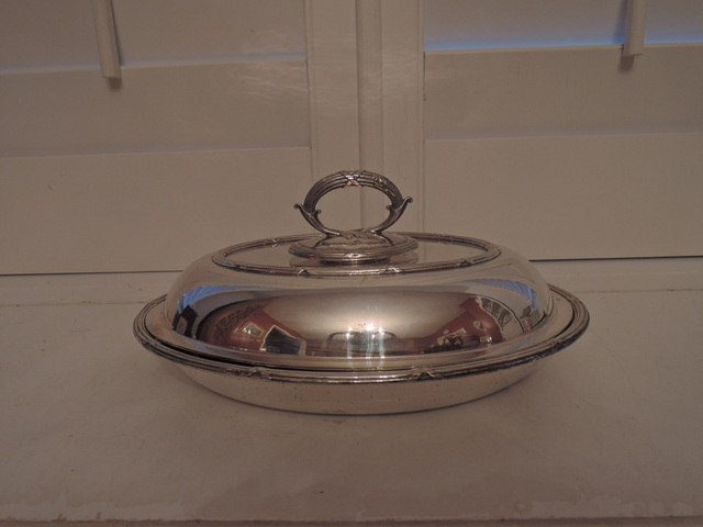 Walker & Hall Sheffield Silver Plate Casserole Vegetable Serving Dish