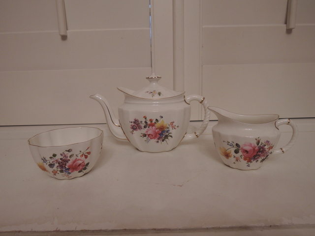 Vintage Royal Crown Derby Posies Teapot & Sugar Bowl & Creamer Tea Set Bone China