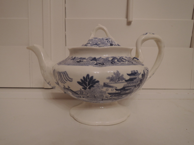 Antique Staffordshire Blue & White Transferware Chinoiserie Teapot 19th C.
