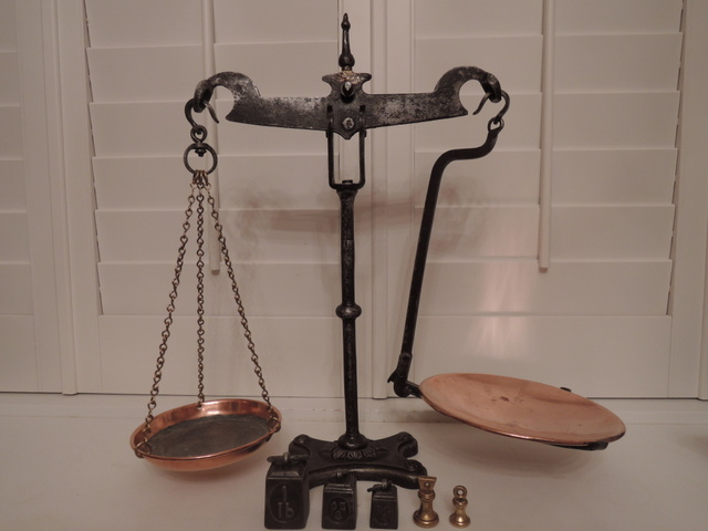 Victorian Avery Wrought Iron Swan Neck Grocer's Balance Scales w/Graduated Weights
