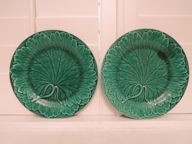"Antique Pair of Wedgwood Majolica Green Leaf Cabbage Basketweave 9"" Plates 1880's"