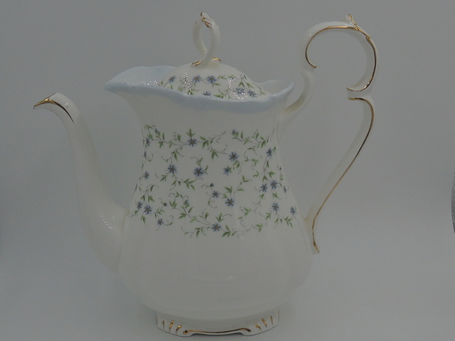 Gorgeous Vintage Royal Albert Caroline Teapot/Coffee Pot