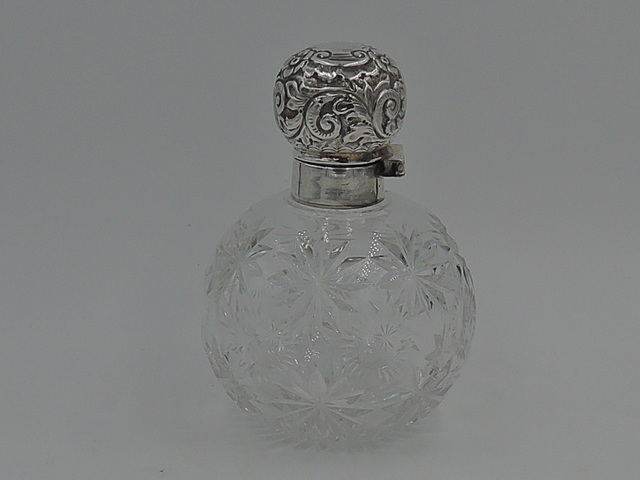 Antique Large Sterling Silver Lid & Cut Star Base Glass w/Dabber Perfume Bottle