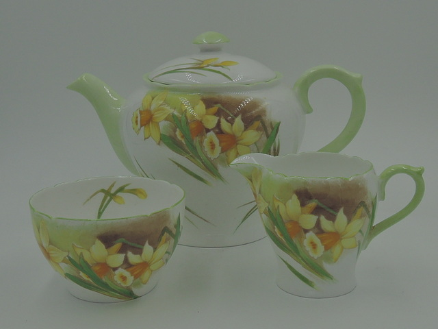 Rare! Shelley Jonquil Daffodil Tea Set Teapot Fine Bone China