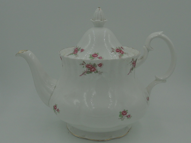 Vintage Richmond Rose Time Teapot Bone China Pink Roses