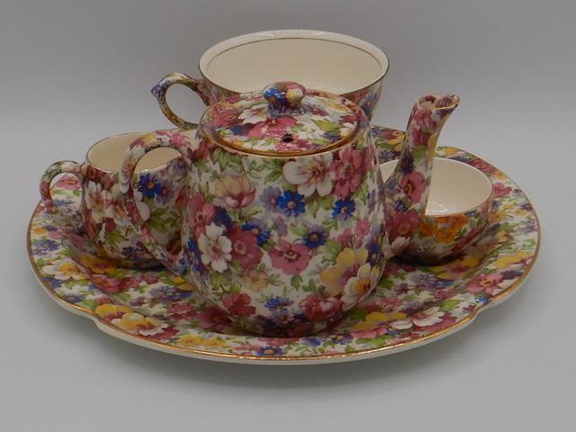 Vintage Royal Albert Victoriana Rose Paragon Coffee Pot/Teapot Pink Roses