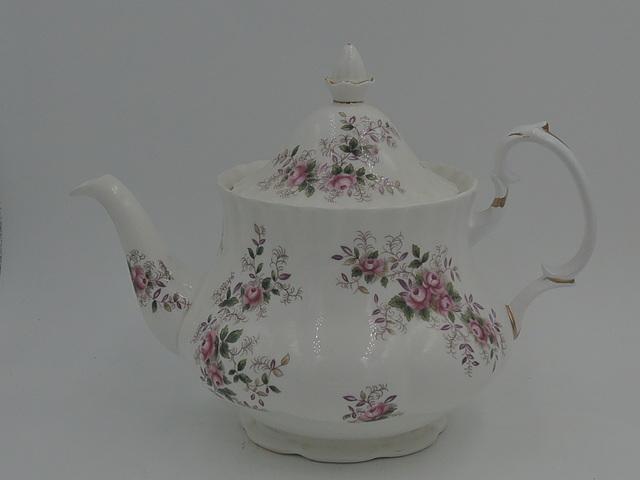 Vintage Royal Albert Lavender Rose Teapot Bone China Pink Roses