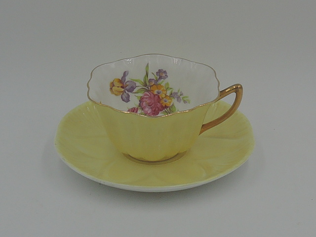 Vintage Shelley Yellow Dainty Shape Cup & Saucer Tulips Teacup