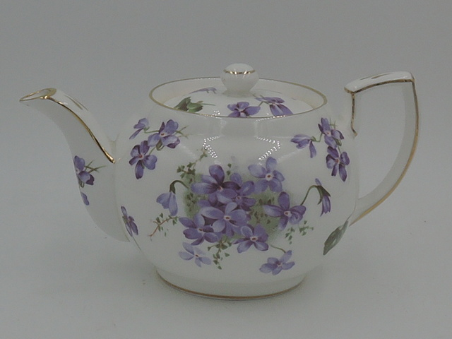 Vintage Hammersley Victorian Violets 2 Cup Teapot 2/66 Bone China