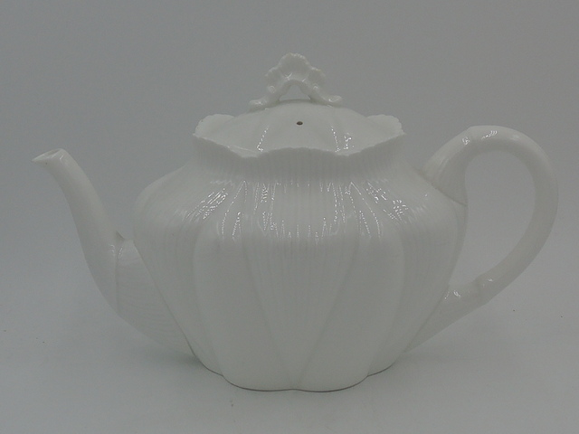 Vintage Shelley Dainty White Fine Bone China Teapot 272101