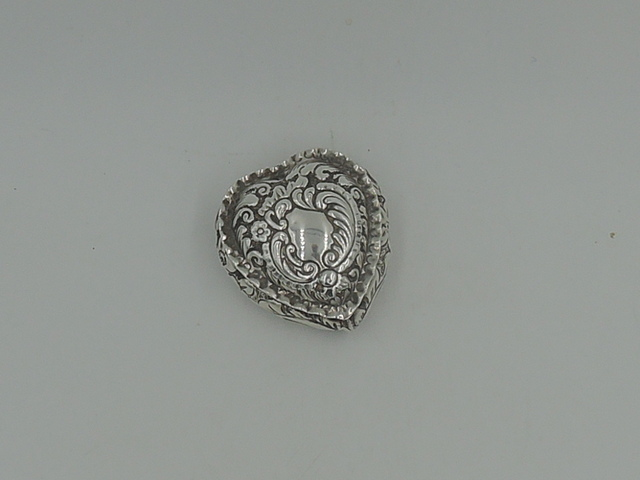 Antique Sterling Silver Repousse Heart Shape Pill Box Ring Hallmark 1919