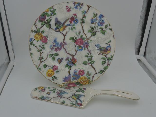 "Vintage Lorna Doone Chintz 9"" Cake Plate & Pie Server Barker Bros. Blue Birds"