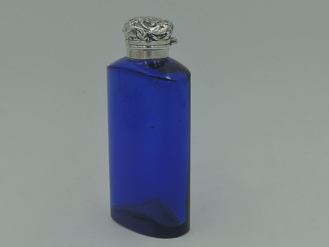 Antique Victorian Sterling Silver Lid & Cobalt Blue Glass Perfume Bottle w/Dabber