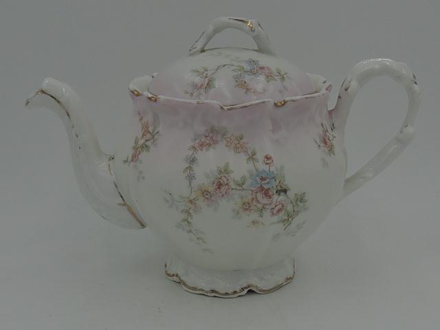 Vintage Elite Limoges Porcelain 2 Cup Teapot Pink Roses
