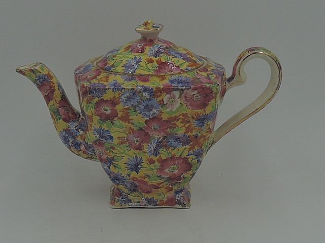 Vintage Royal Winton Chintz Royalty Ascot Teapot 2 Cups Old Mark