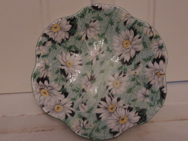 Vintage Shelley Chintz Green Daisy Dish Fine Bone China