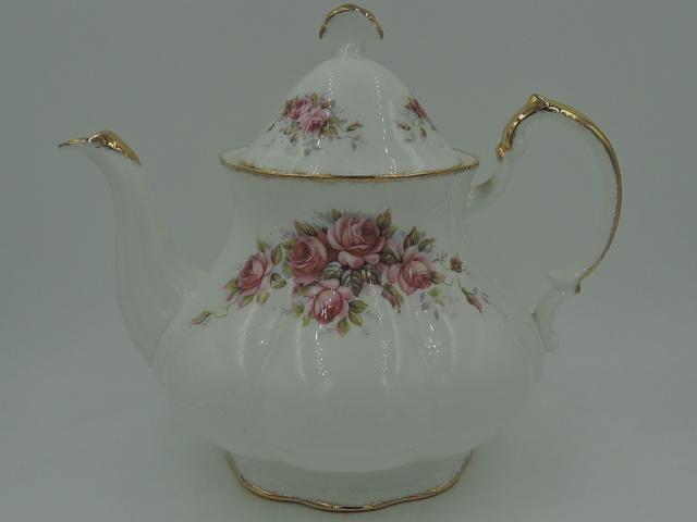 Vintage Paragon Elizabeth Rose Fine Bone China Teapot 6 Cups Pink Roses