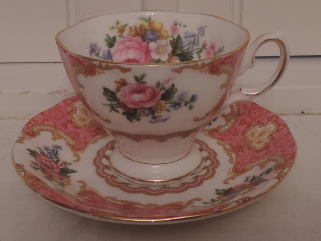 Vintage Royal Albert Lady Carlyle Pink Roses Cup & Saucer  Bone China Teacup