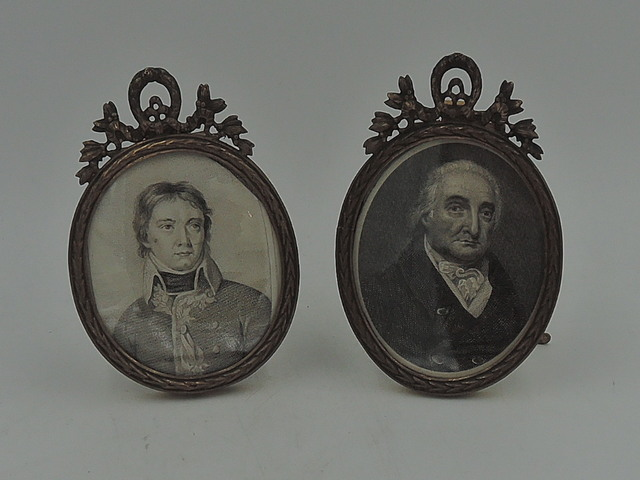 Antique Petite Pair of Napoleon Wreathe Bronze Oval Photo Frames