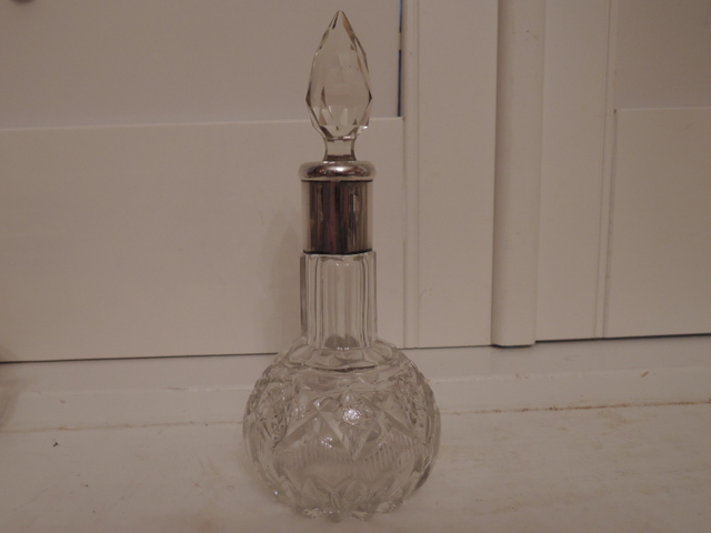 Sterling Silver Collared Cut Glass Perfume Bottle w/ Dabber London 1924