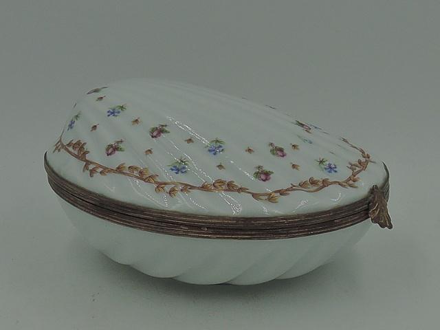 Antique French Haviland Vieux Sevres Porcelain Shell Ormolu Jewelry Box Jar