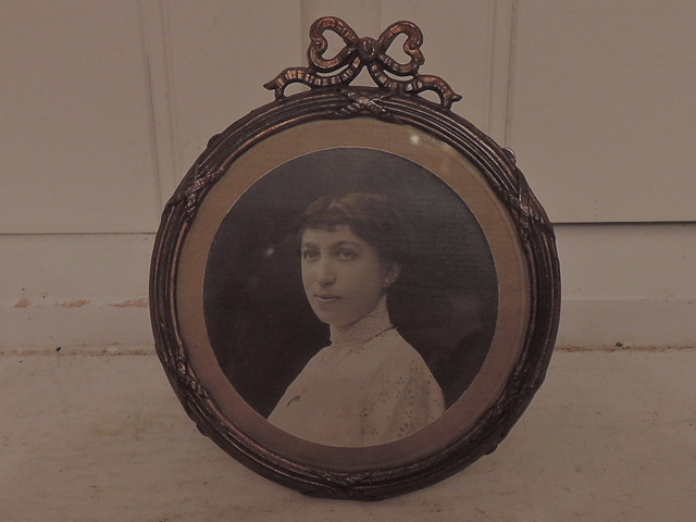 "Vintage French Ormolu Brass Round Photo Frame 3.25"" Picture"
