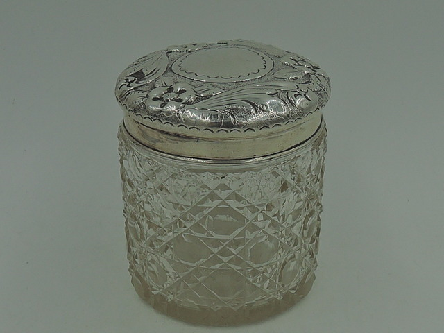Antique Sterling Silver Repousse Lid & Star Cut Base Glass Vanity Jar 1916