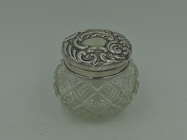 Antique Sterling Silver Repousse Lid & Star Cut Base Glass Vanity Jar 1900