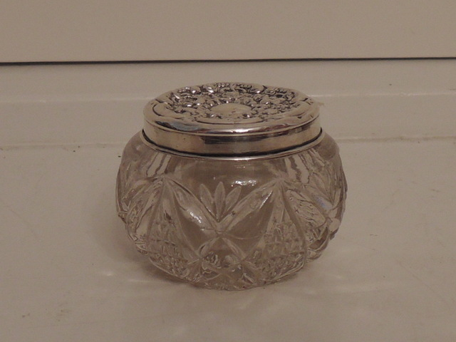 Antique Edwardian Sterling Silver Lid & Star Base Cut Glass Ladies Vanity Jar 1904