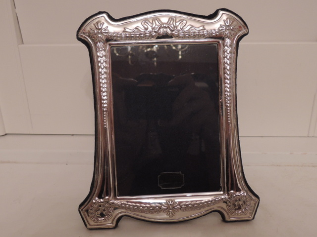 "Vintage English Sterling Silver Picture/Photo Frame 3.5"" x 5"" Velvet Back Stand"