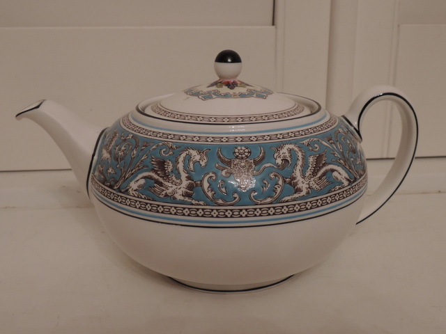Vintage Wedgwood Florentine Turquoise Teapot 4 Cups Bone China