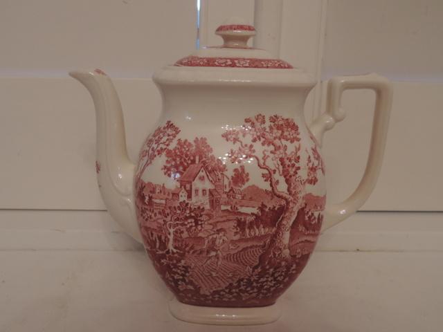 Vintage Villeroy & Boch Rusticana Red Transferware Teapot/Coffee Pot Germany