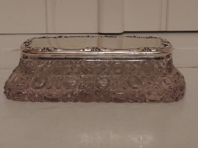 Gorgeous Large Sterling Silver Lid & Star Cut Base Glass Ladies Vanity Jar 1910