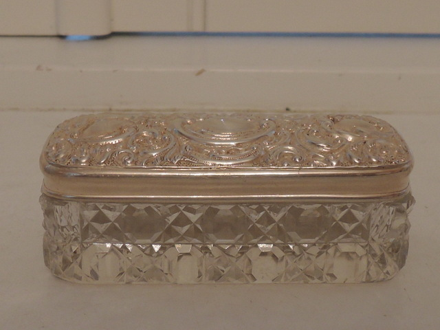 Antique English Ornate Sterling Silver & Cut Glass Ladies Vanity Jar 1900