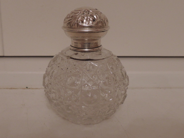 Antique English Sterling Silver & Cut Glass Perfume Bottle w/Dabber 1907