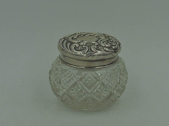 Antique English Sterling Silver Ornate Repousse Lid & Star Cut Glass Jar 1902
