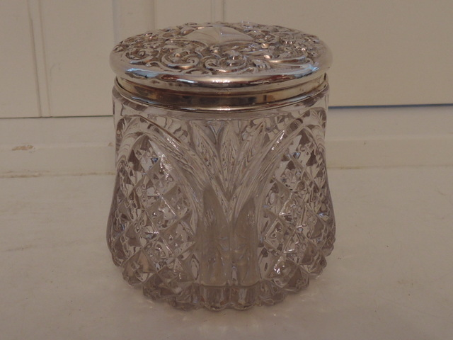 Gorgeous Large Antique Sterling Silver Repousse Lid and Star Cut Glass Vanity Jar 1905
