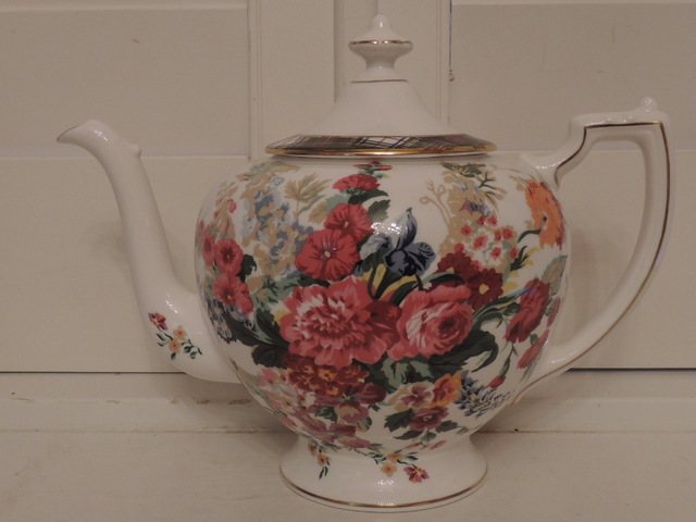 Vintage Wedgwood Hampton Floral Teapot by Ralph Lauren Bone China