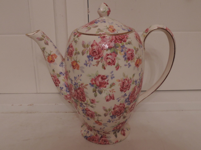 Vintage Royal Winton Chintz Victorian Rose Coffee Pot/Teapot 1950's Pink Roses